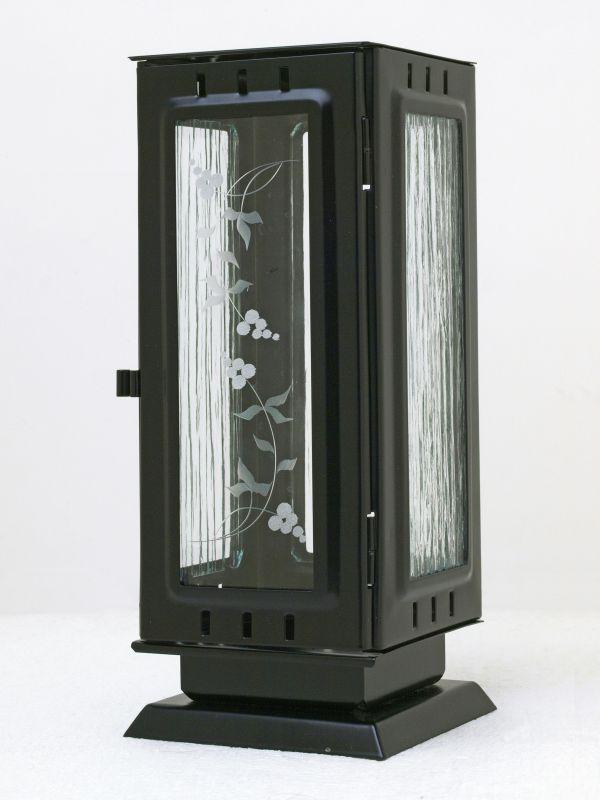Nerezové výrobky na zakázku Náhrobní svítilna velká barva černá 110x110x260mm čtyřhranná rovná stříška OEM Český výrobek.